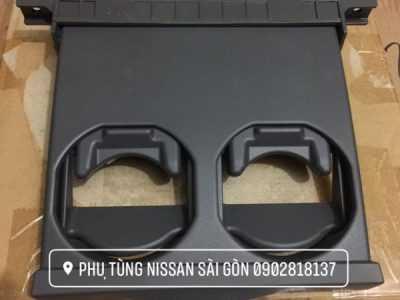 Khây đựng cốc Nissan Uvan E26