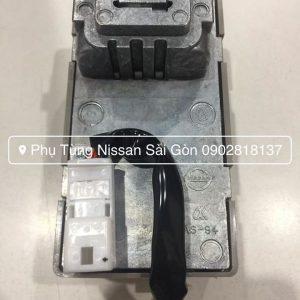 487089N00A Hộp điều khiển lock volang Teana J32